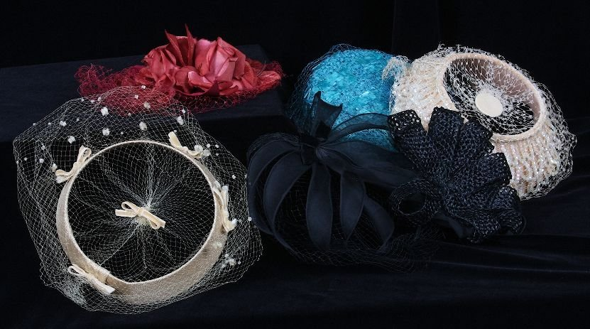 6 Vintage Ladies Velvet Flower Hats w/Netting. ED379