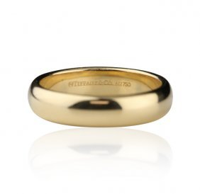 Tiffany & Co. 18KT Yellow Gold Round Band Ring GB918