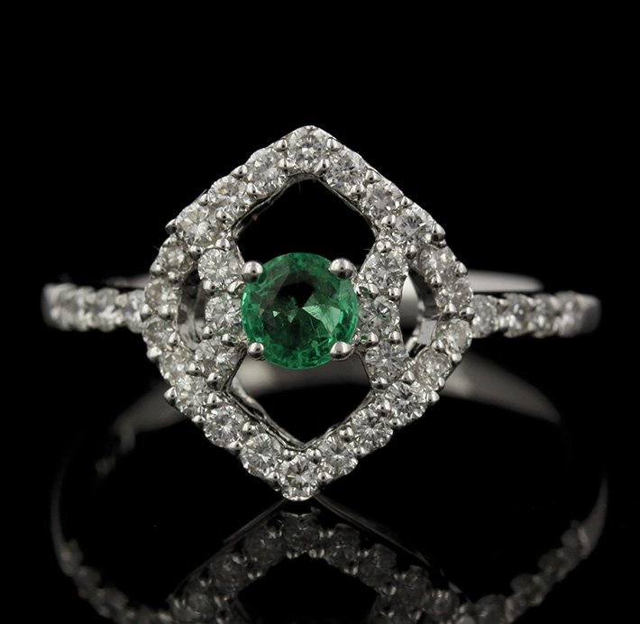 18KT White Gold 0.22ct Emerald and Diamond Ring FJM2258