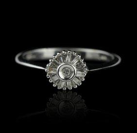 14KT White Gold 0.12ctw Diamond Ring GB926