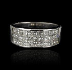 18KT White Gold 1.75ctw Diamond Ring GB590