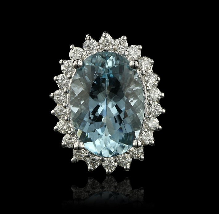 14KT White Gold 7.02ct Aquamarine and Diamond Ring A428