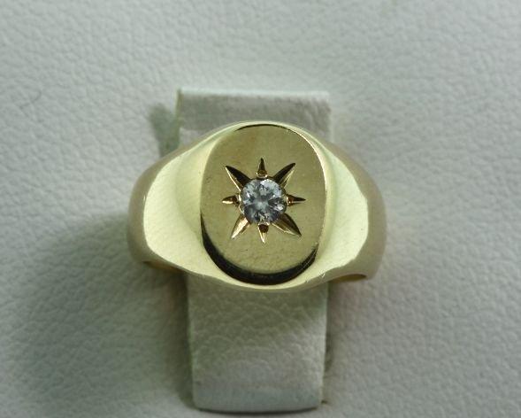 Childrens Diamond & Gold Ring .02ct GD44