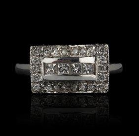 14KT White Gold 0.45ctw Diamond Ring GB567