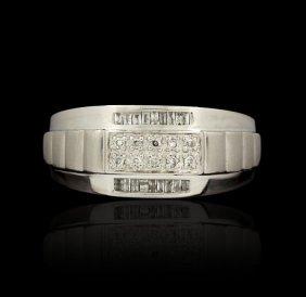 14KT White Gold 0.10ctw Diamond Ring GB1284