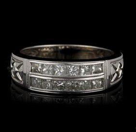 18KT White Gold 0.75ctw Diamond Ring GB607
