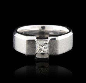 Gents 14KT White Gold 0.60ctw Diamond Ring GB1181