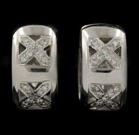 14KT White Gold 0.25 Diamond Earrings GB964