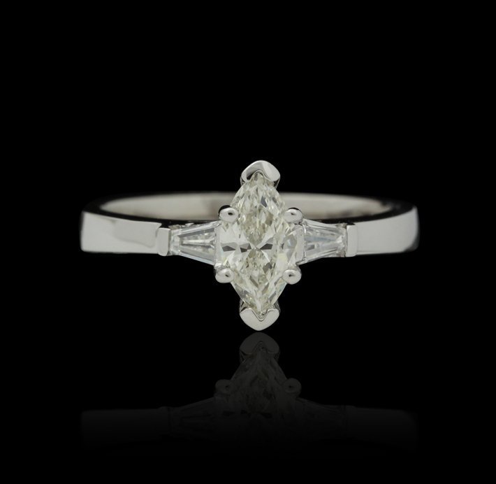 14KT White Gold Ladies .73ctw Diamond Ring J66