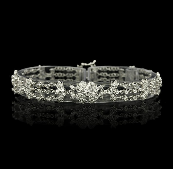 14KT White Gold 1.17ctw Diamond Bracelet A5051