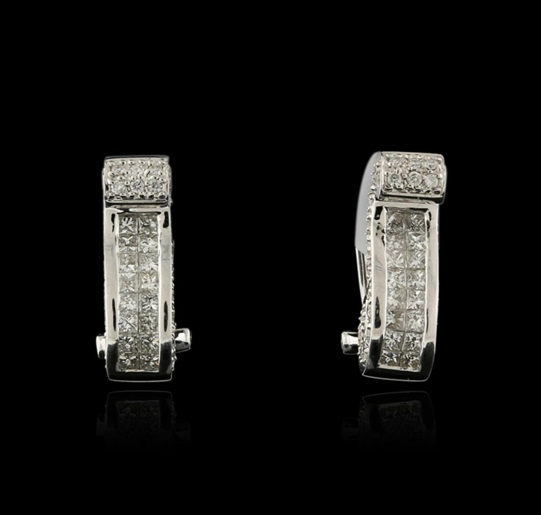 18KT White Gold 1.21ctw Diamond Earrings