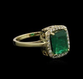 1.74ct Emerald And Diamond Ring - 14kt Yellow Gold