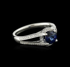 18kt White Gold 0.98ct Sapphire And Diamond Ring