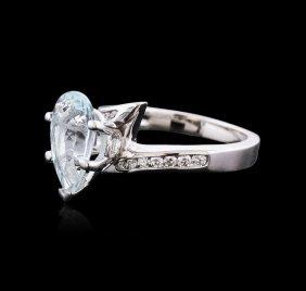 14kt White Gold 2.19ct Aquamarine And Diamond Ring