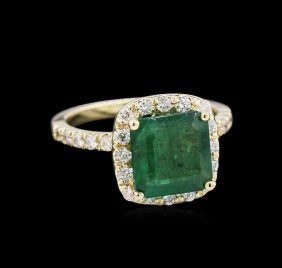 2.71ct Emerald And Diamond Ring - 14kt Yellow Gold