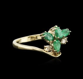 14kt Yellow Gold 0.92ct Emerald And Diamond Ring