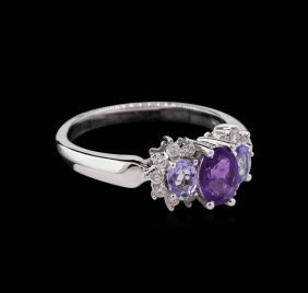 0.74ctw Tanzanite, Amethyst And Diamond Ring - 14kt
