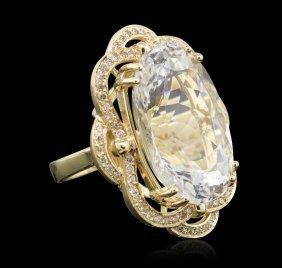 14kt Yellow Gold 22.07ct Aquamarine And Diamond Ring