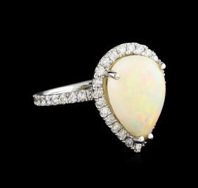 2.66ct Opal And Diamond Ring - 14kt White Gold