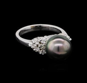 0.33ctw Pearl And Diamond Ring - 14kt White Gold