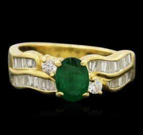18kt Yellow Gold 0.55ct Emerald And Diamond Ring