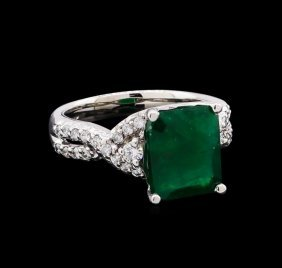 4.35ct Emerald And Diamond Ring - 14kt White Gold