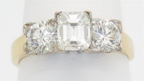 1.58ctw Diamond Ring - 18kt Yellow Gold