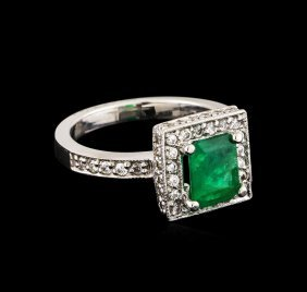 14kt White Gold 0.25ct Emerald And Diamond Ring