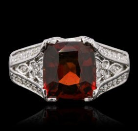 14kt White Gold 3.50ct Garnet And Diamond Ring