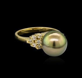 0.30ctw Pearl And Diamond Ring - 14kt Yellow Gold