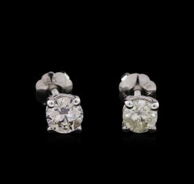 0.60ctw Diamond Stud Earrings - 14kt White Gold
