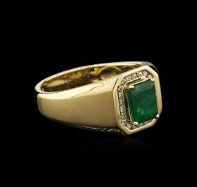14kt Yellow Gold 1.69ct Emerald And Diamond Ring