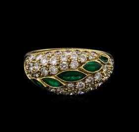 0.52ctw Emerald And Diamond Ring - 14kt Yellow Gold