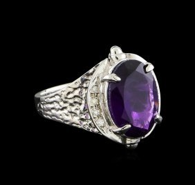4.72ct Amethyst And Diamond Ring - 14kt White Gold