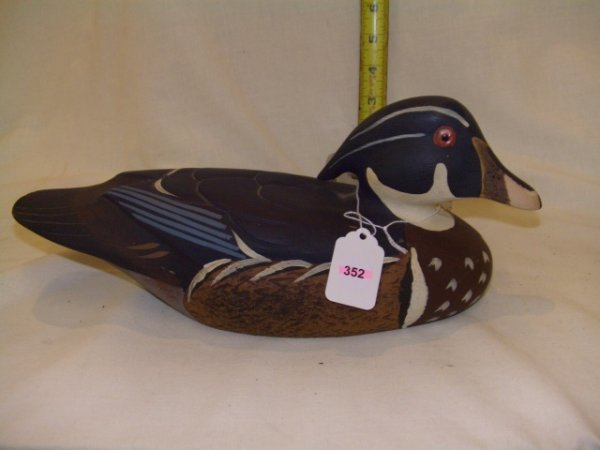 352: Vintage handcarved and painted duck decoy