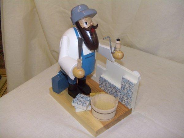 690: handmade and painted German smoker figurine comes