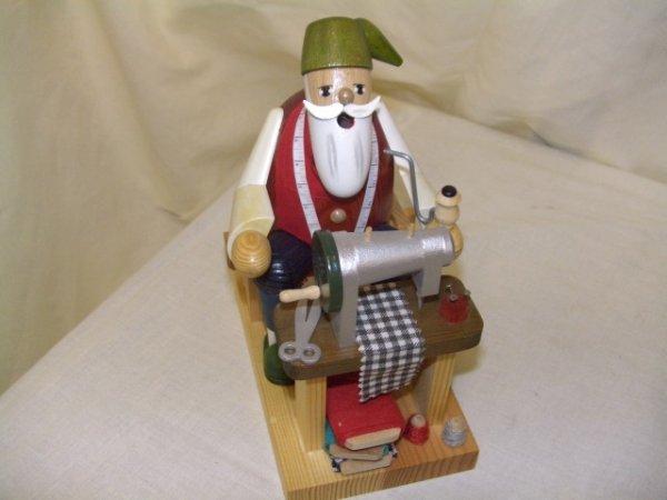 694: handmade and painted German smoker figurine comes