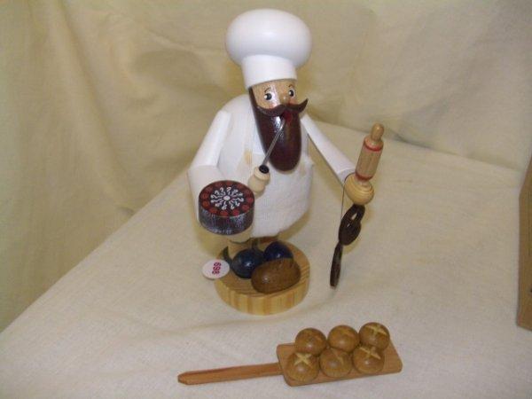 698: handmade and painted German smoker figurine comes