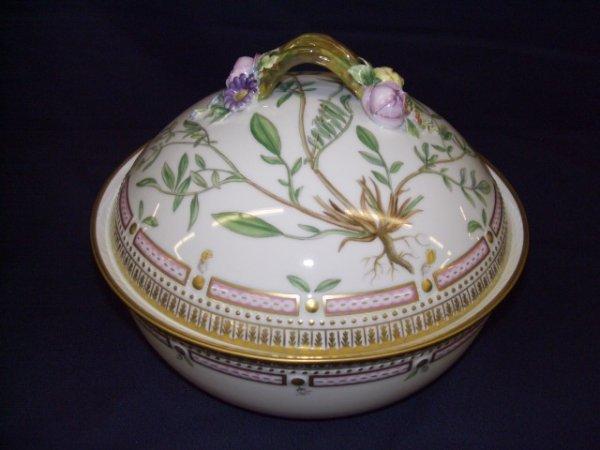 770E: Fabulous flora danica Covered bowl/ vegetable