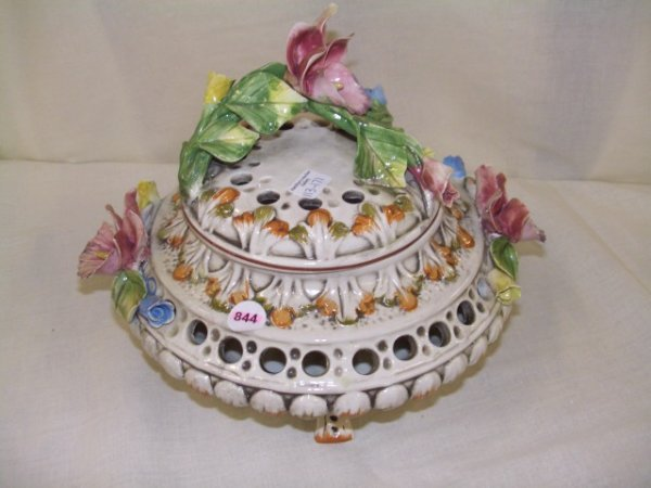 844:  porcelain V. Bassano Italian floral covered dish