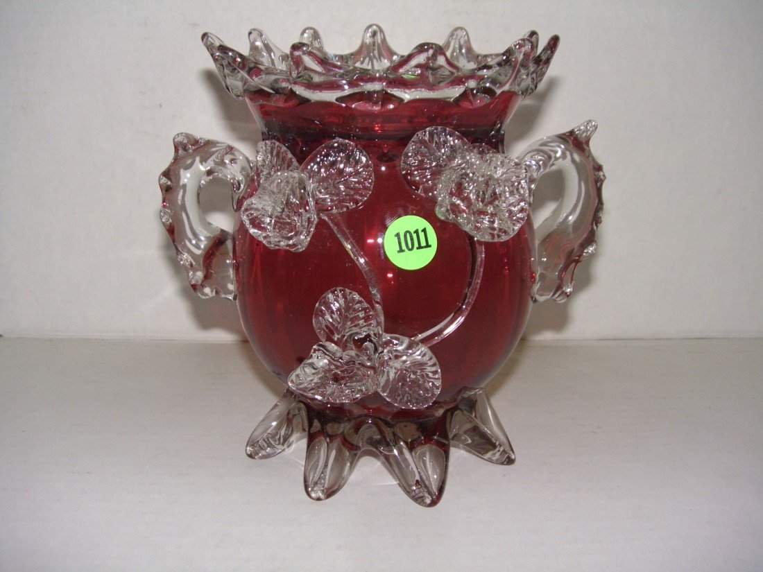 "1011: Victorian cranberry and pinch and glass vase 7"" t"