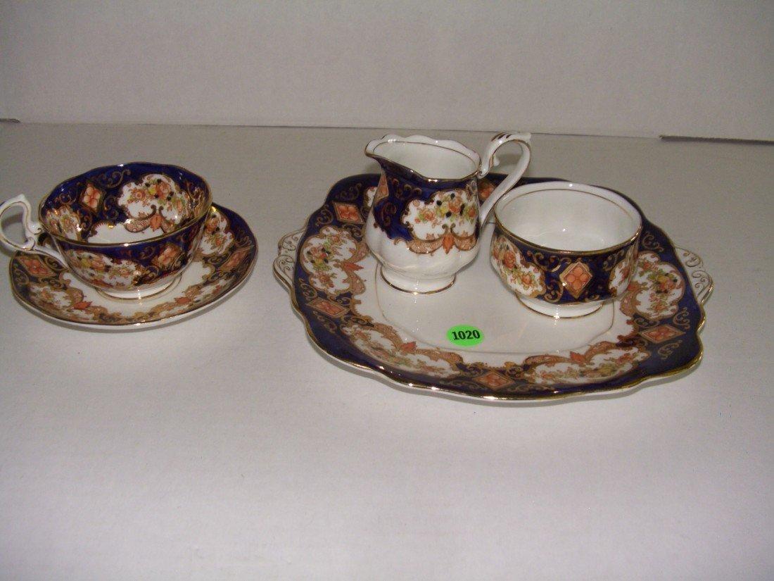 1020: Royal Albert poreclain luncheon set