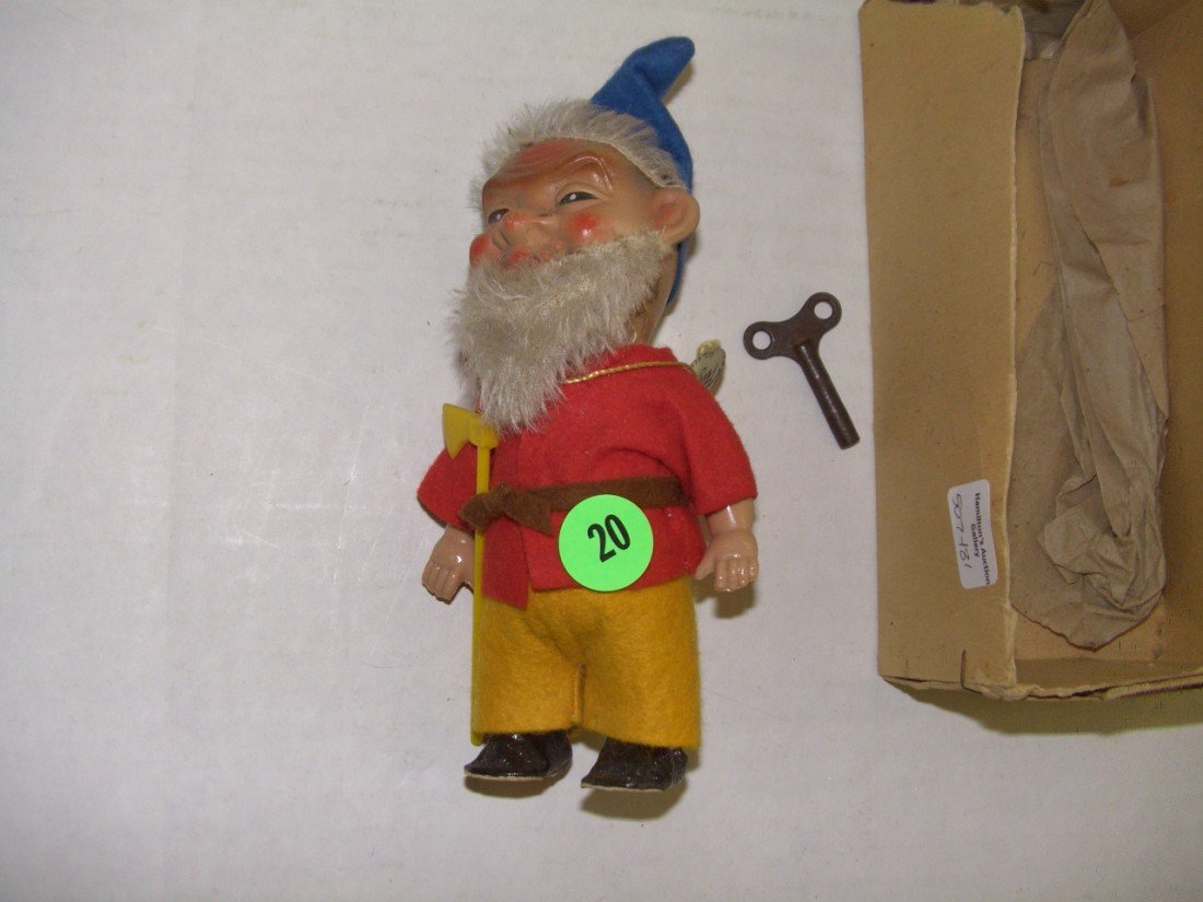 20: vintage gnome wind up toy with key