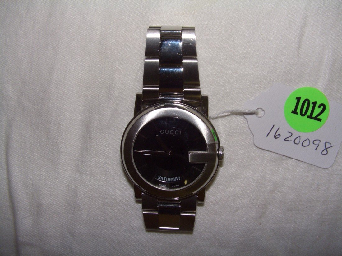 1012: vintage Man's (private estate)wristwatch  Gucci 1