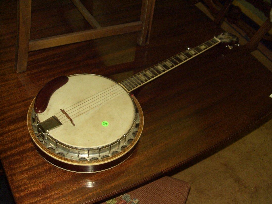 1176: vintage Banjo with applied Eagle on back, SSR