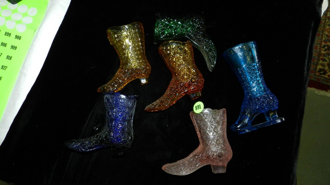 891: 6 piece Fenton? glass shoes / boots - 2