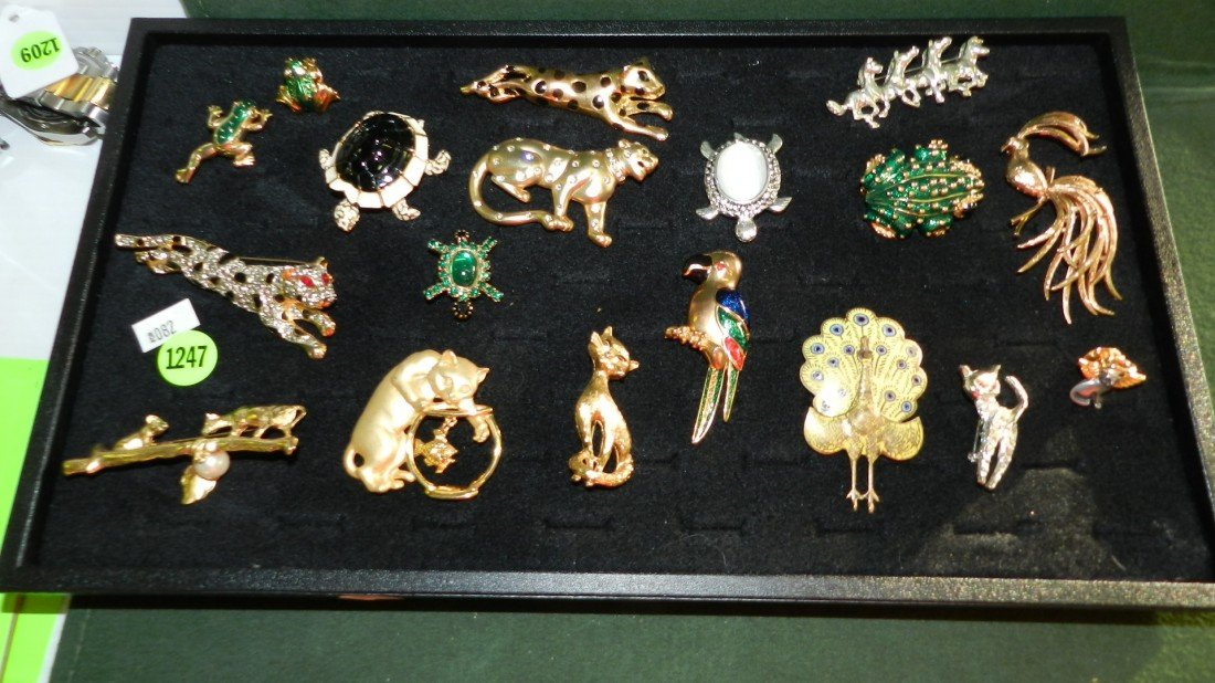 1247: tray of estate jewelry, animal pins