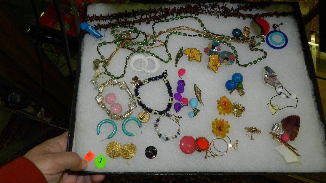 7: nice tray of estate jewelry (no tray)