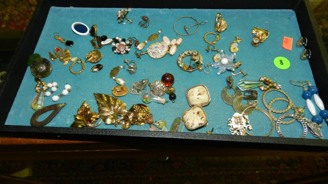 8: nice tray of estate jewelry (no tray)