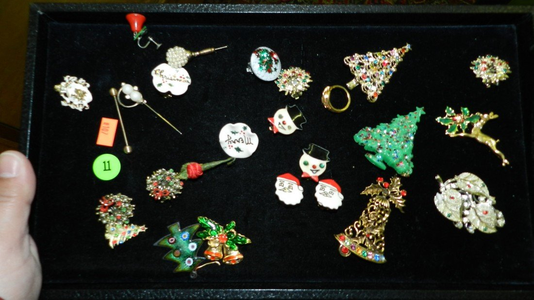 11: nice tray of estate jewelry (no tray)